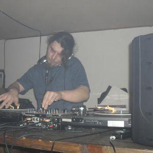 DJ TAX/ KLANGRAUM/CHRONISCH ELEKTRONISCH/ RADIO SET