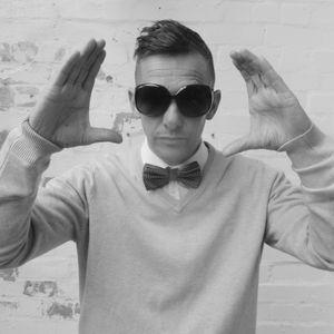 Milf EMF Shiine 90's Weekender Indie Rock Pop Jump Up Intro Set