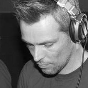 Renzo Voidd Radio Mix 04-08-2012