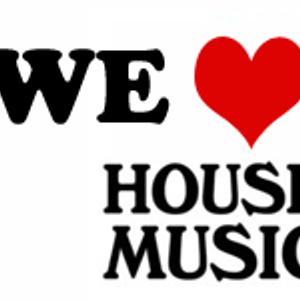 DJ Q-Mello - We Love House Music.mp3