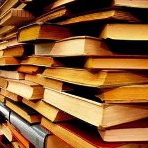 Boleto para Viajar el programa de la biblioteca Alejandro Aura  hablando del libro Rocanrol suicida,