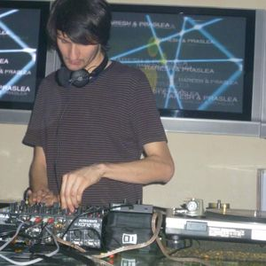 Raresh Live @ Christmas Party,Zebra Club (Romania)  (25.12.2011)