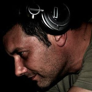 Alex Molon djset 2011/05/20 - Looking for melody in technology