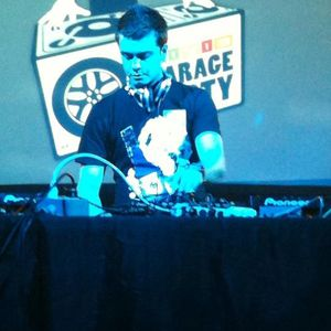 Civic Garage Party 20min DJ Battle