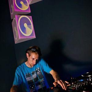 dj 2vinz mix @ yesclub 11/06/2012