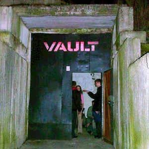 DJ Emery @ OHM Resistance, Vault (2004.04.23)