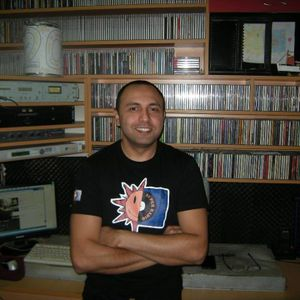 Into The Groove Radio Show mix by Regie Rules