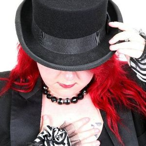 29/08/11 Hayley Strangelove on Stoke Sounds at 6 Towns Radio