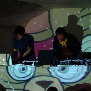 Strad & Rare live @ Plug & Lay 04-02-2010