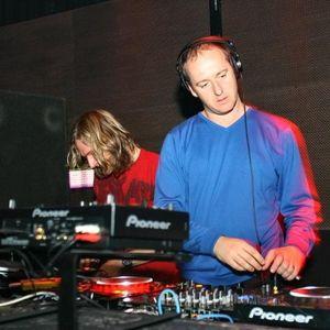 Sasha & James Zabiela - Annie Nightingale Show 19.10.2003 (Breaks Mix)