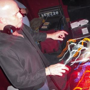 Andy Hughes - Party95.Com Show 66 - 6-16-2012