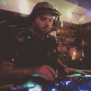 Neil Simmonds | July 2017 House Mix | Snapchat 'neil_dj' | Instagram 'djneilsimmonds'