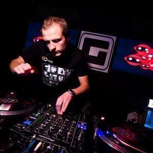Red1 - Tavo Teritorija Drum'n'Bass @ LRT Opus (2012 11 02)