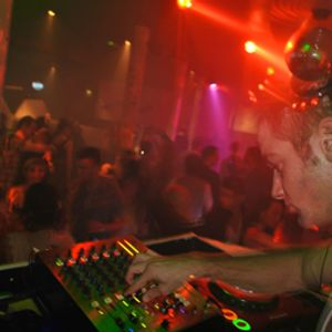 James Marsland Dance Mini Mix January 2011 http://www.promdjnorthwest.com