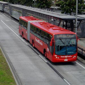 ¿Transmilenio por la Séptima o metro para Bogotá?