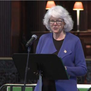 Learning to Walk in the Dark - Barbara Brown Taylor at St Paul's Cathedral  (2015)