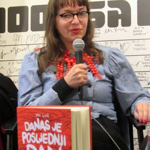Strip-Tease: Ulli Lust in Booksa