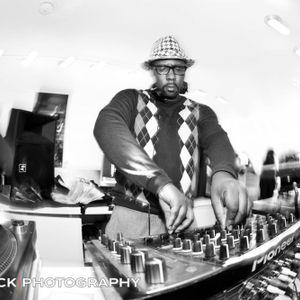 DJ Tmoney 2010/11 upfront Rnb/Hip-HOP/Urban House live dj mix