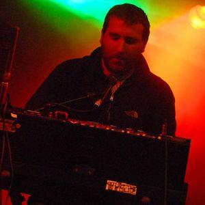 Hot Chip - BBC Radio 1 Essential Mix (02-06-2012)