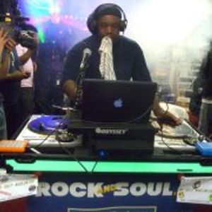 THE LUNCHTIME MIX 02/22/12 (90'S HIP HOP)
