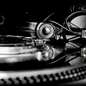Dj Eryc - Turntable Techno Live Mix (30.04.2014)