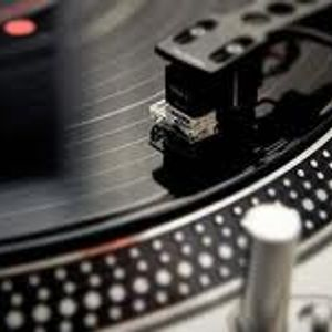 DJ Bouncin B2B Spinny