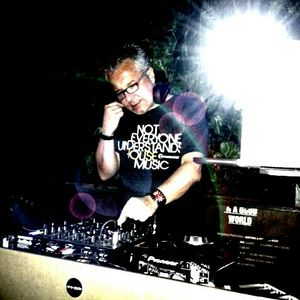 HOUSE MUSIC 2015 VOL.11 - SELECTED AND MIXED BY ANTONELLO FERRARI