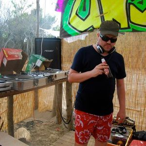 Unsound Beach Party Session 2008 from DJ Controlled Weirdness on ILL FM - 10th June 2008