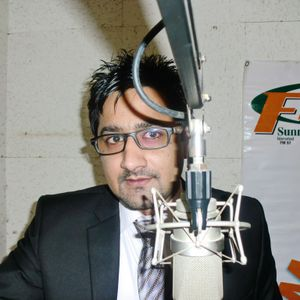 "DJ Tahir Ubaid Chaudhry in ""Sada-e-Shab"" on Sunrise FM 97 Islamabad 20-02-13"