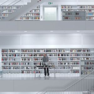 0711TAPE #7: DJ Friction (Stadtbibliothek)