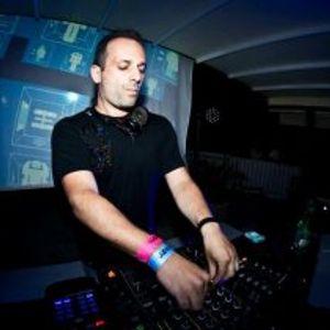 LAURENT N. LIVE DJ SET @ MINORITY (07-11-2014)