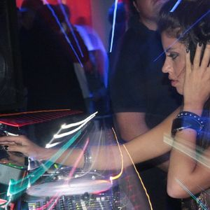 4/12/2010 Ami-Suami dj set