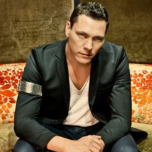 Tiesto - BBC Essential Mix (02-01-2014)