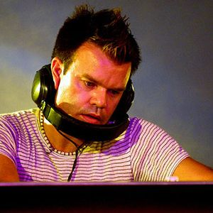 12 Paul Oakenfold - Home in London New Years Eve - Essential Mix 1999