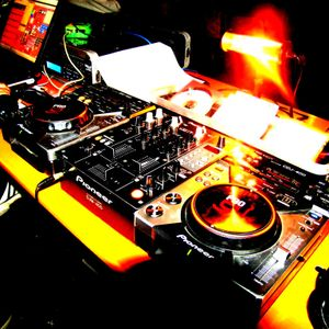 HOUSE MUSIC BY DEEJAY FOX  GIUGNO 2011