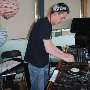 Dave Fields - Dec 8th 2003 Mix