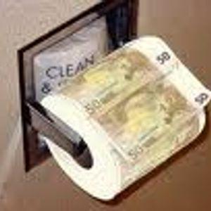 Мировая Валюта или фантики. Обклеивайте туалеты, кто верит рублю.