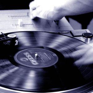 "Alzee    BreakDance Era  Scratch mix .old school 12""  messin about on the wheels of steel"