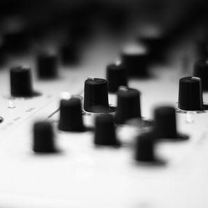 "Bolly-b_Dj set @ Radiocapsule ""Nomad session"" 14/09/12"