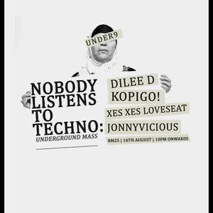 Xes Xes Loveseat - Nobody Listens To Techno