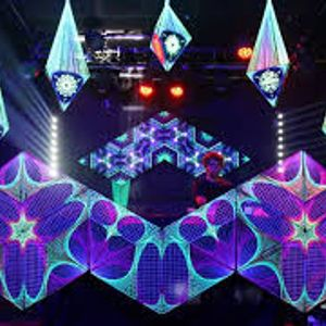 Addict@beautifull,spacey Techno set. must listen this 4 sure. when u love good techno.