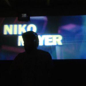 Niko Mayer - Agosto 013 Groove Garden Radio Experience