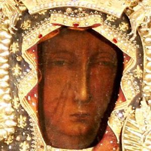 """A """"Mária Élő Koronája"""" kezdeményezés lelki, teológia háttere, gyakorlati ismertetése"""