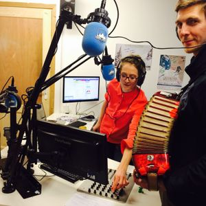 Flora speaks to Sparky and his beautiful Accordion live in the Summit Radio studio
