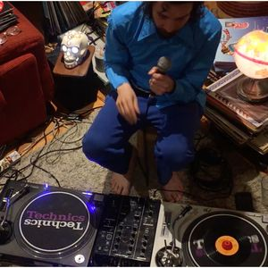 VF Live: DJ Humildad (Meridian Brothers)