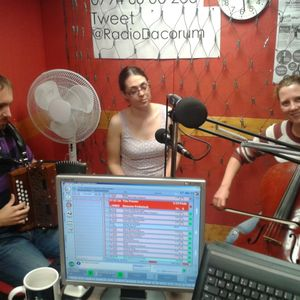 Folk DJ with Daria Kulesh on Radio Dacorum, June 23, featuring Foxglove Trio