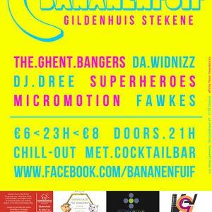 SUPERHEROES BANANENFUIF 3 AUG 2013 KLJ STEKENE mix 2 of 2