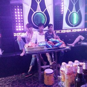 - NST - Việt Mix - Anh Em Sky Ơi - Lính Aids On The Múc !^^