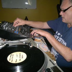 GrooveSkool Radio Mixed by DJ Betty & HypoTron