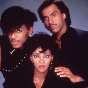 The Strictly Vinyl Groove Show 26th Feb 2014 (Rare) Featured artist Shalamar